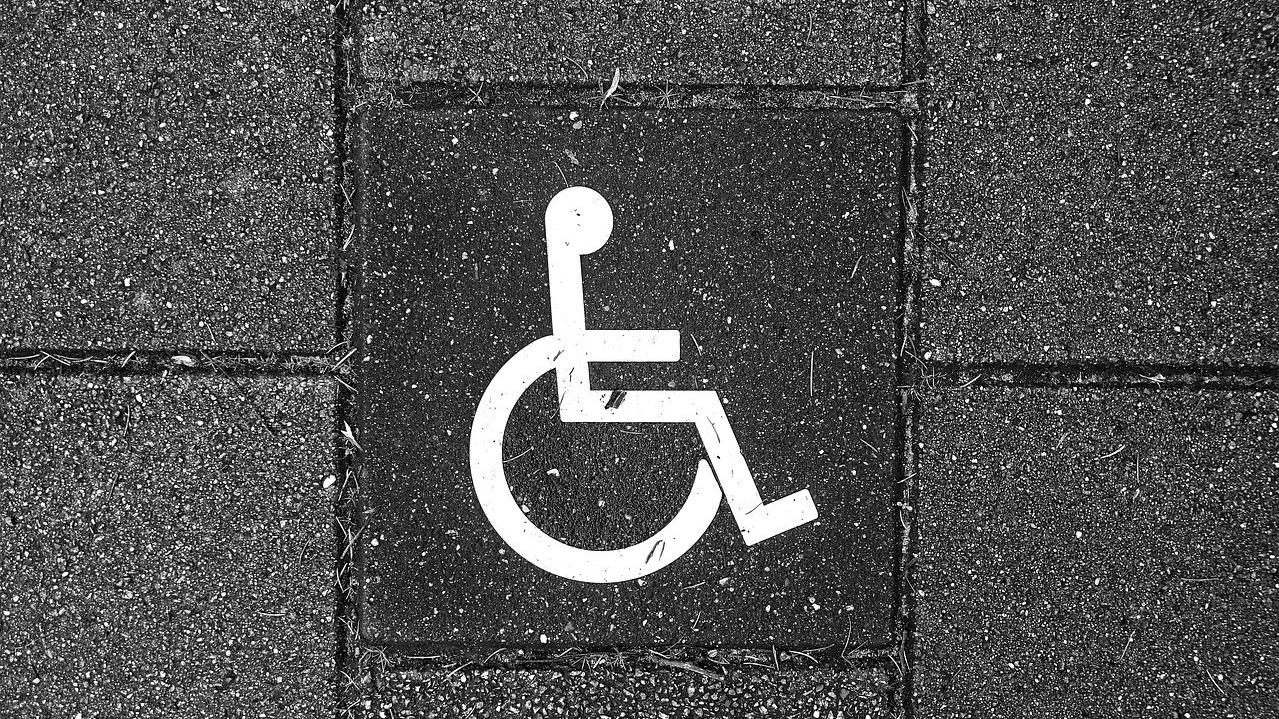 Parkplatz Rollstuhlfahrer