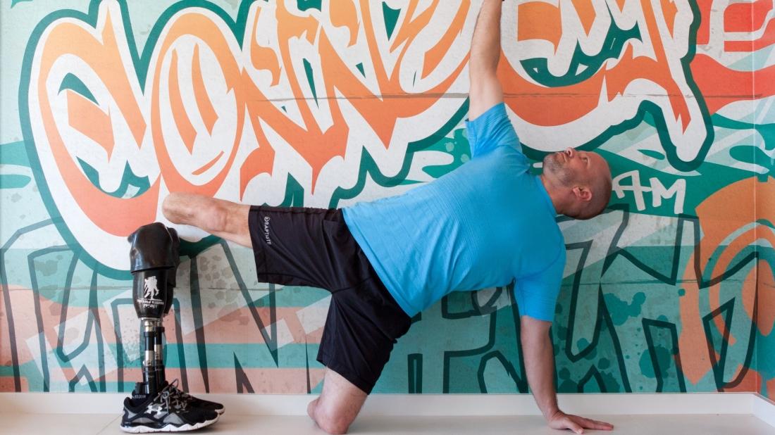 Yoga mit Unterschenkelprothese